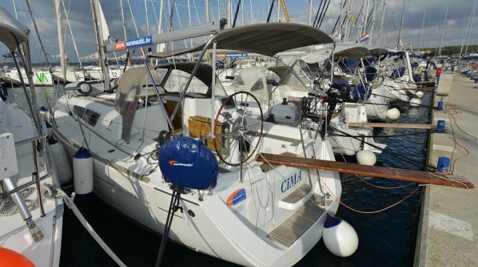 Sun Odyssey 33i  / Cima  (outboard engine + wifi + towels - free of charge) (2011)
