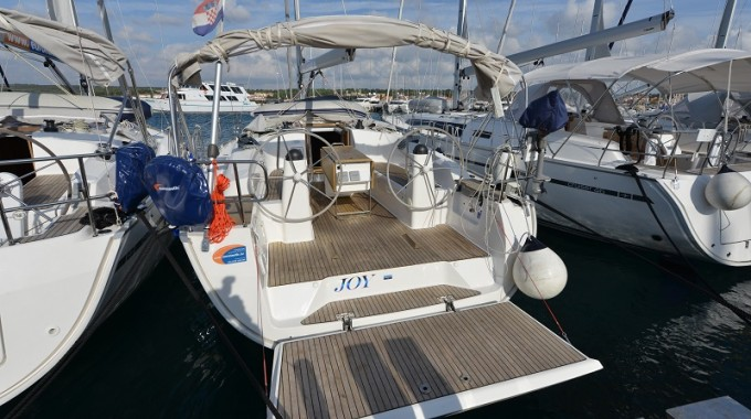 Bavaria Cruiser 40 / Joy  (outboard engine + wifi + towels - free of charge) (2013)