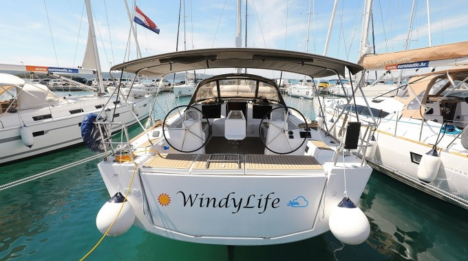 Dufour 460 Grand Large - 5 cabins / WindyLife (2019)