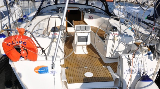 Bavaria 40 Cruiser  / Fenix  (outboard engine + wifi + towels - free of charge) (2008)